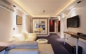 photodune-1183292-hotel-room-s1