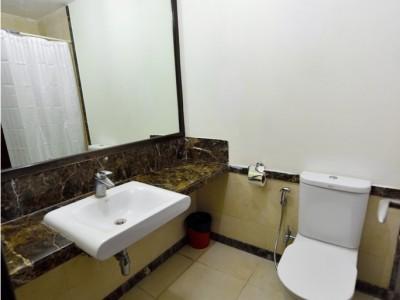 The Lawns Bathroom